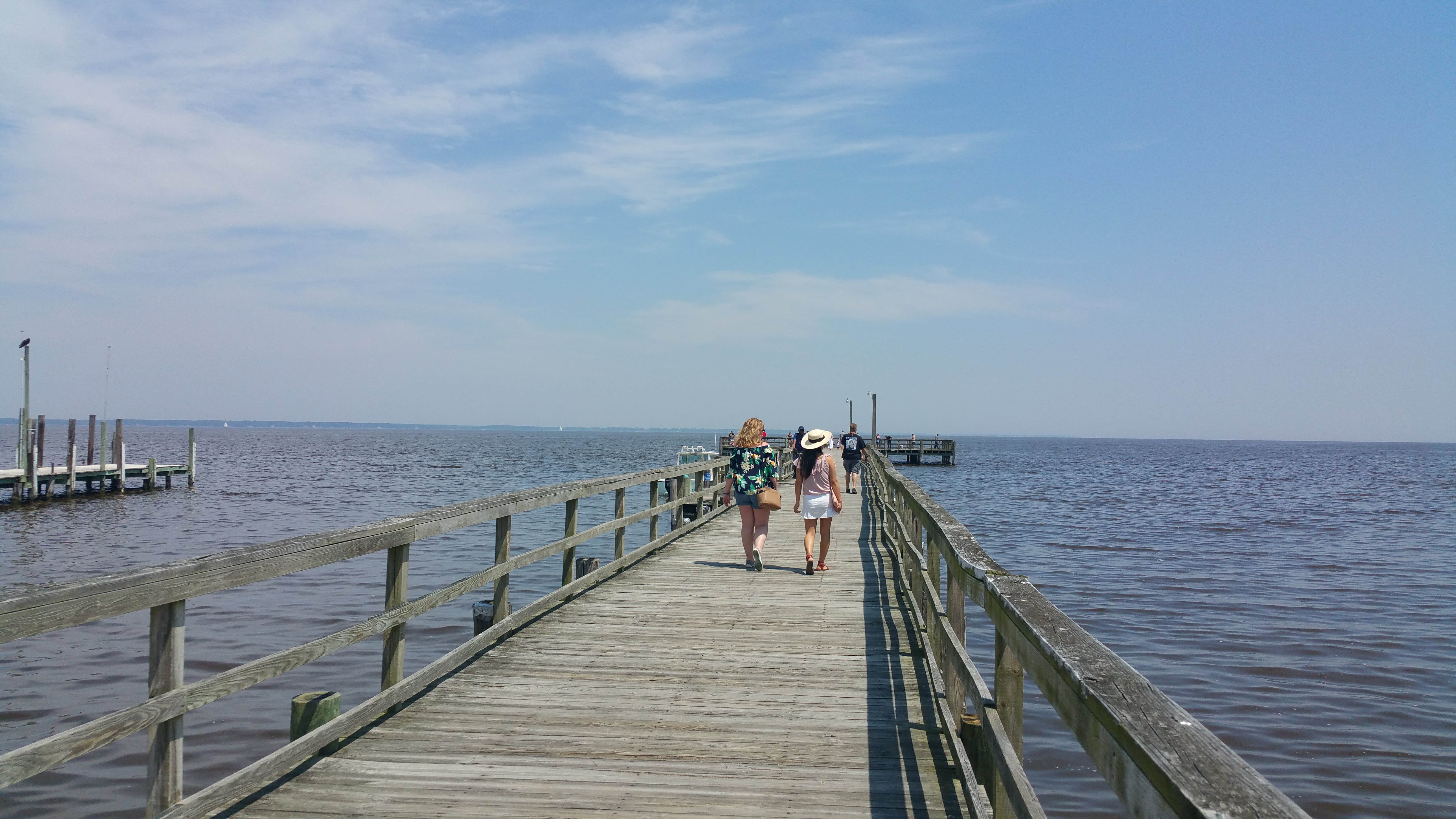 Walk to the Colonial Beach Pier