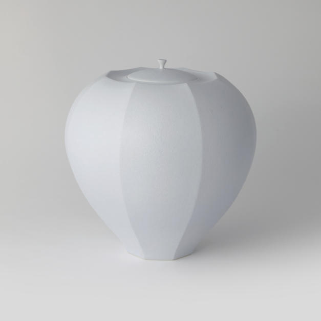 White Porcelain Faceted Lidded Jar 3(BLUE 3) by Shin Dongbeom