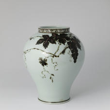 White Porcelain Jar with Grapevine Design in Underglaze Iron Brown 백자철사포도문 용충호 by Ji Suntak