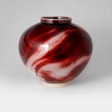 White Porcelain Jar in Underglaze Copper-Red 백자진사요변 호 by Han Dohyun