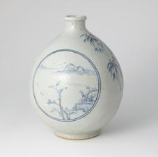 White Porcelain bottle landscape Design in Underglaze Cobalt Blue 고백자청화산수경편호 by Ji Suntak