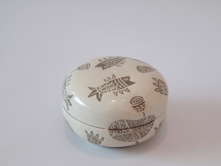 Buncheong Lidded Pot with Fish Decoration