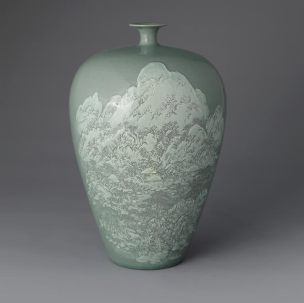 Celadon Vase with Snowy Scenery Decoration