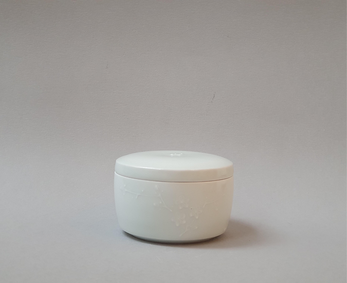 Lidded Pot with Cherry Blossom Decoration