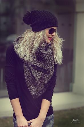 Maxi šátek hnědo-černá pletenina