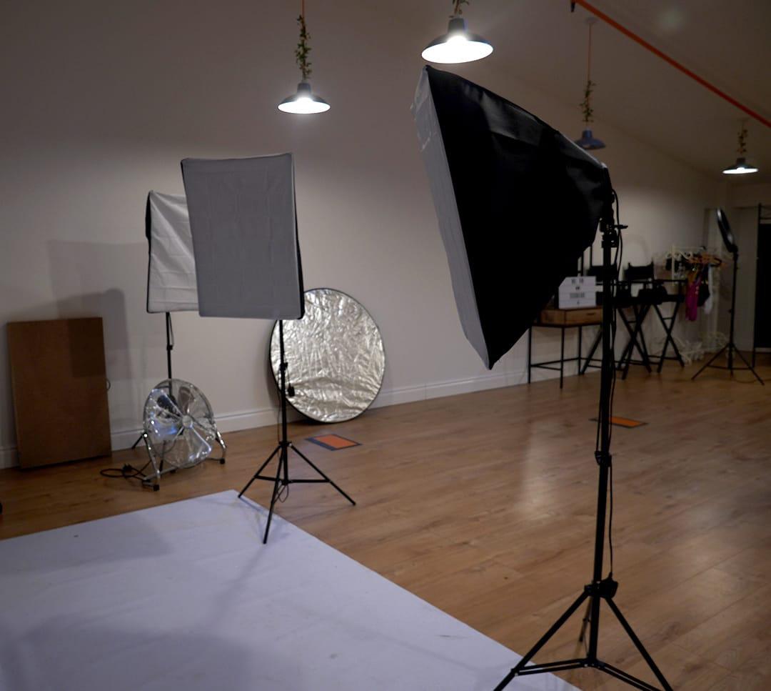 Studio 8 Hours Mon - Fri