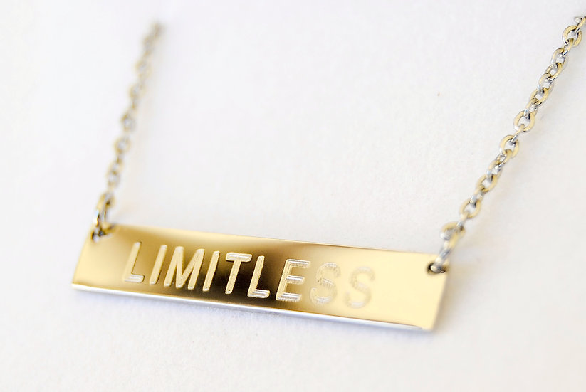 LIMITLESS BAR NECKLACE