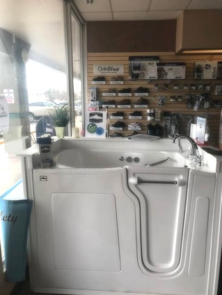 Check Out Our Tub at Advanced Medical Solutions!