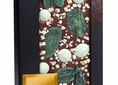 Горький шоколад с курчавой мятой, лимонной цедрой, шоколадными пастилками с лайм
