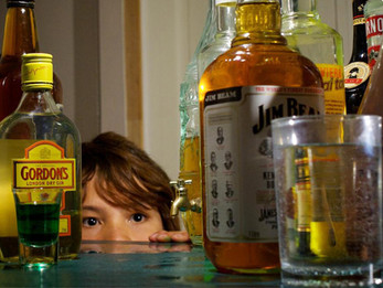 Bebida alcoólica e criança/adolescentes.
