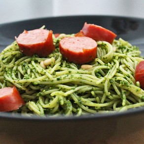 Spaghetti met boerenkoolpesto en rookworst