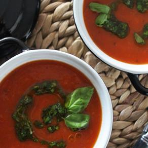 Tomatensoep met mascarpone en basilicumolie