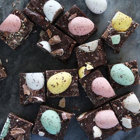 Chocolade fudge met dragee eitjes