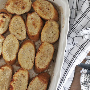 Wentelteefjes van stokbrood uit de oven