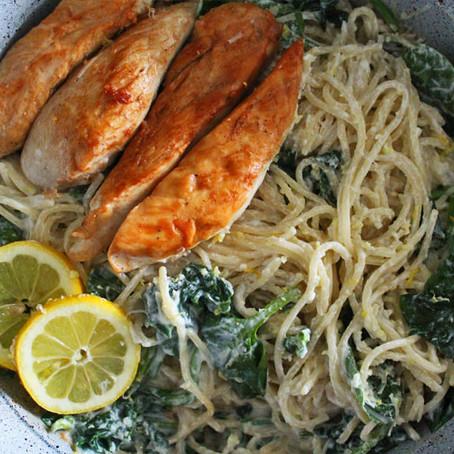 Citroen-spaghetti met kip en spinazie