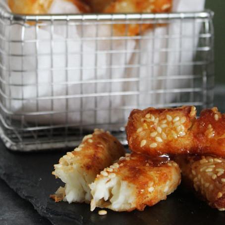 Halloumi frietjes met sesam en honing
