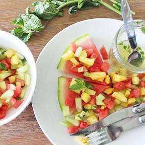 Fruitsalade met honing-munt-dressing