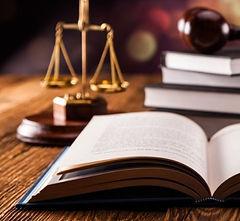 Juriste spécialisé en propriété intellectuelle propriété industrielle formations formateur cdroit des marques, droit d'auteur, droit des dessins et modèles, contrats, internet, données personnelles conférence séminaire