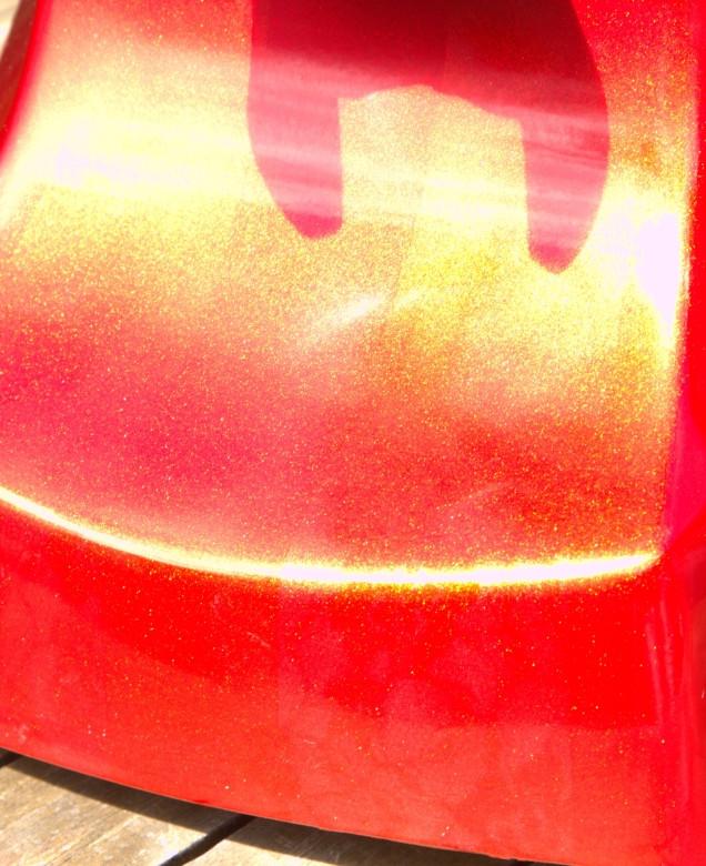 Close up showing sunburst pearls