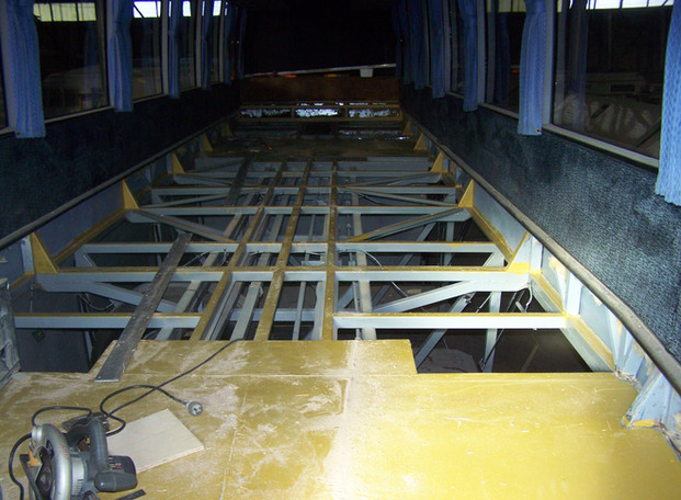 Autobus Floor and Seat01.JPG