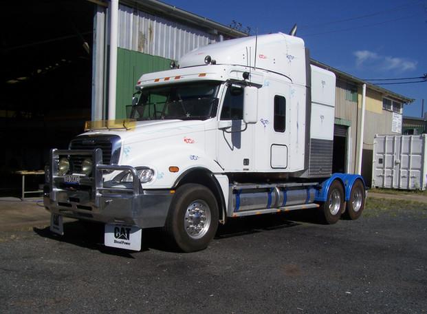 Freightliner sleeper conversion02.JPG