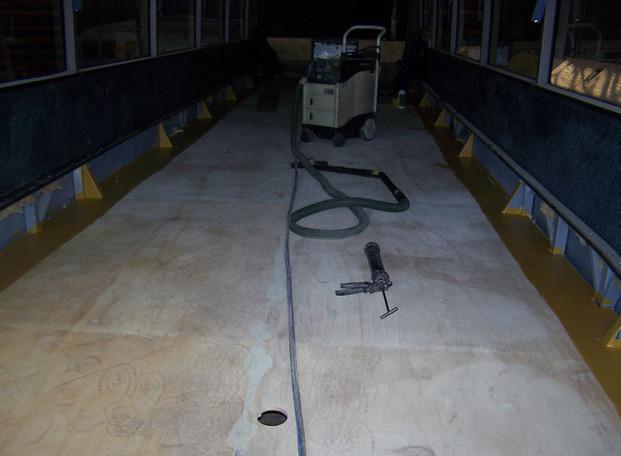 Autobus Floor and Seat04.JPG