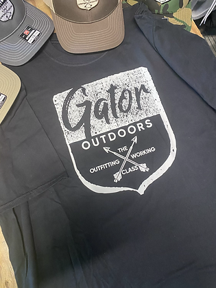 Black tee with white gator badge on front