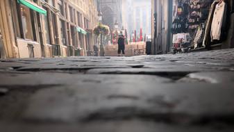Stad Brussel mag niet vergeten om ook de kleine handelaars rond de Grote Markt te ondersteunen