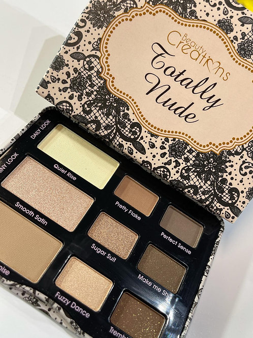 Pallet som totally nude
