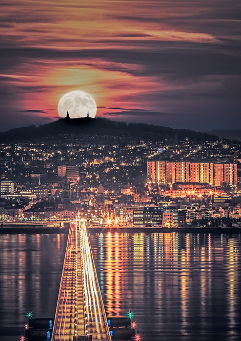 Dundee Moonscape Composite