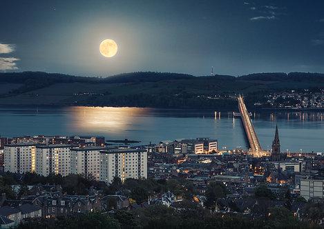 Dundee Moonrise