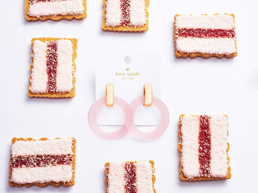An example of fusion product photography which blends the desirability of one object (food) with another to amplify the feeling of desire.