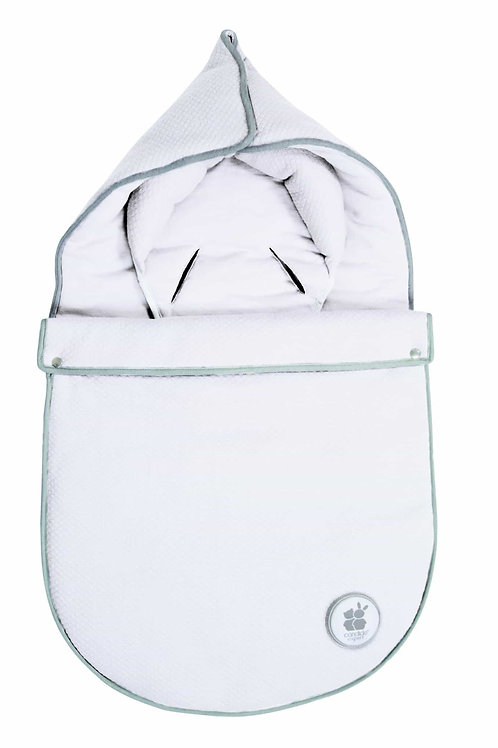 Candide Baby Swaddle with car seat opening 0 – 3 months White