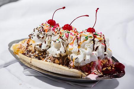 Ice cream desert Moonlite Diner Best Burgers and Milkshakes by Owner Kesi Dibrani Best Restaurant in Fort Lauderdale and Hollywood Florida