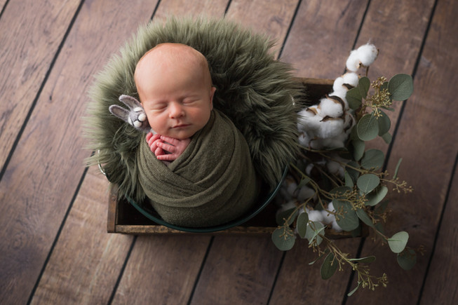 Newborn_Victor-59-0230.jpg