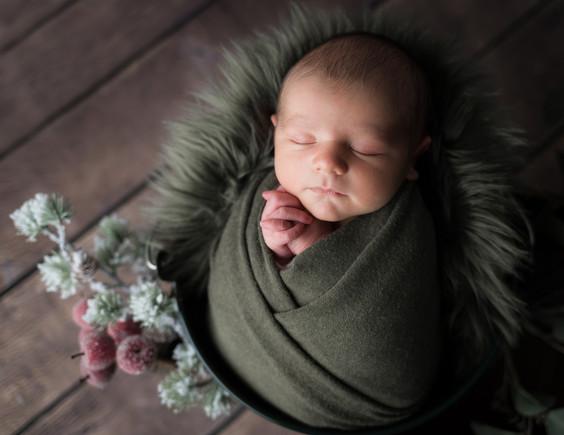 Newborn_Georges-12-7192.jpg