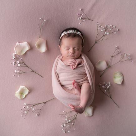 Newborn_Aliz-16-6334.jpg