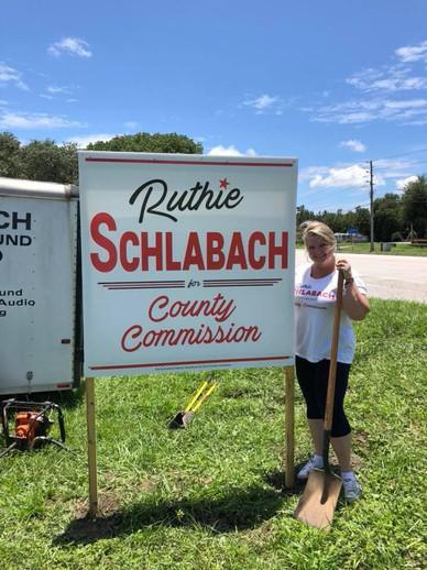 Schlabach Signs Pop Up Around Citrus County