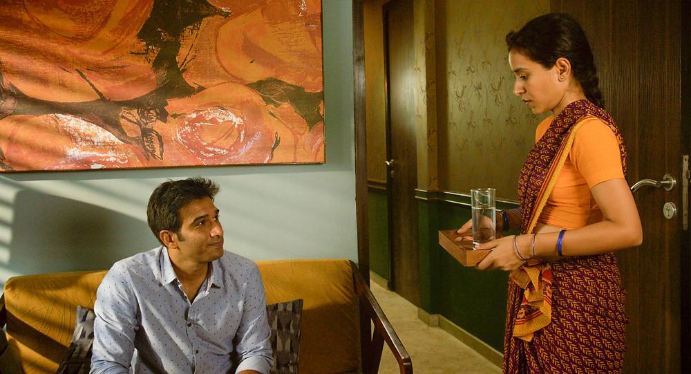 Vivek Gomber e Tillotama Shome no filme indiano A Costureira de Sonhos (Sir, 2018) | Foto: Divulgação (Mostra Internacional de Cinema em São Paulo)