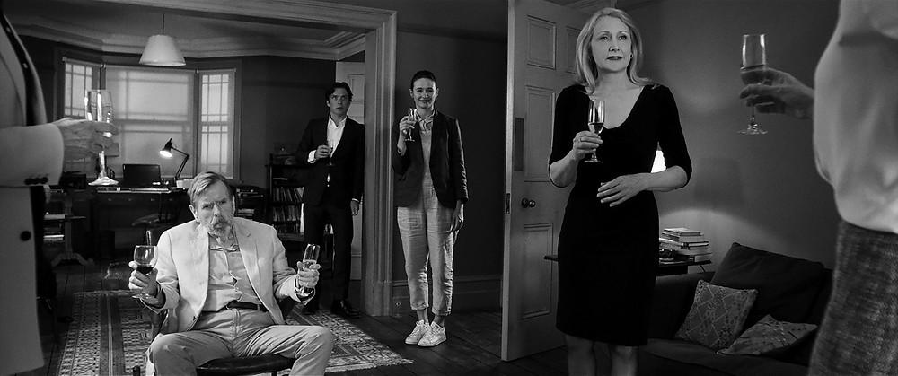 Timothy Spall, Cillian Murphy, Emily Mortimer e Patricia Clarkson em A Festa (2017) | Foto: Divulgação (A2 Filmes)