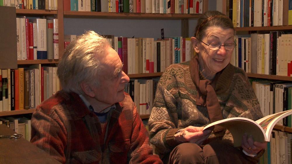 O casal Hafis e Mara Bertschinger em cena do documentário Hafis & Mara (2018), de Mano Khalil | Foto: Divulgação (7º Panorama do Cinema Suíço Contemporâneo)