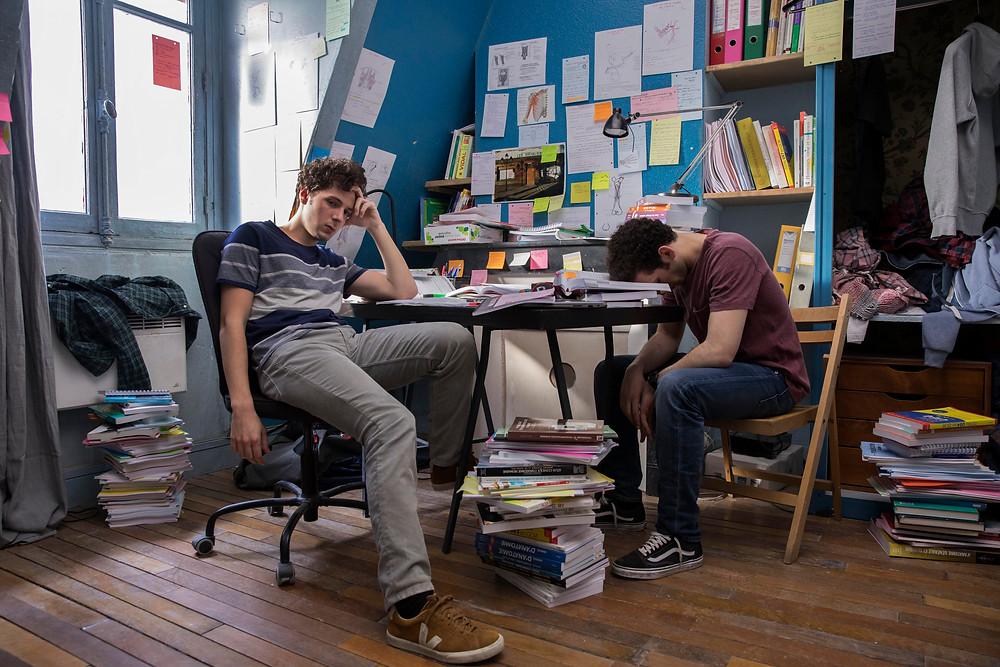 Vincent Lacoste e William Lebghil em cena do filme francês Primeiro Ano (2018) | Foto: Divulgação (A2 Filmes)