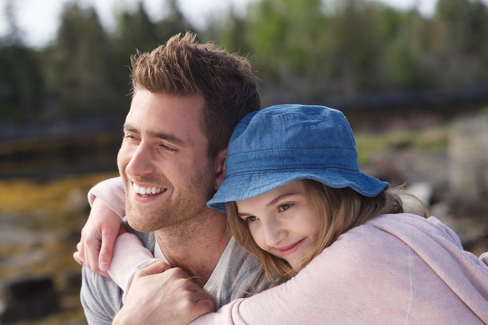 Oliver Jackson-Cohen e Kaitlyn Bernard em O Que de Verdade Importa (2017)