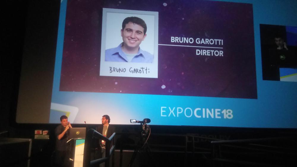 O cineasta Bruno Garotti e o diretor da distribuidora Gabriel Gurman na apresentação de Cinderela Pop na Expocine18 | Foto: Nayara Reynaud