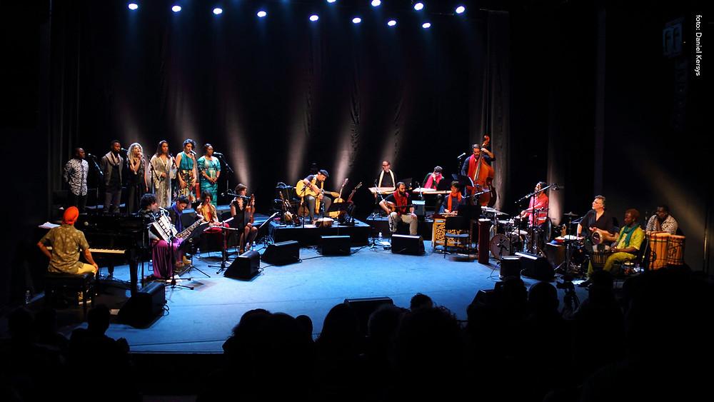 Orquestra Mundana Refugi (Créditos: Daniel Kersys / Divulgação)