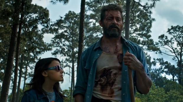 Dafne Keen e Hugh Jackman em cena do filme Logan (2017) | Foto: Divulgação (Fox)