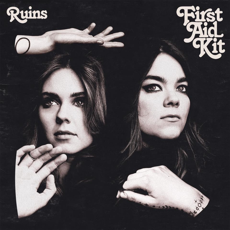 Capa do disco Ruins (2018), quarto álbum da dupla sueca de folk First Aid Kit | Divulgação