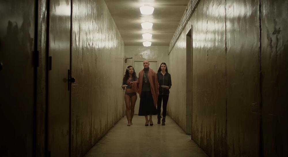 Jessica Sula, James McAvoy e Anya Taylor-Joy em cena do filme Fragmentado (2017)   Foto: Divulgação (Universal Pictures)