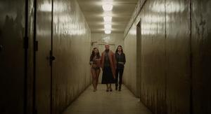 Jessica Sula, James McAvoy e Anya Taylor-Joy em cena do filme Fragmentado (2017) | Foto: Divulgação (Universal Pictures)