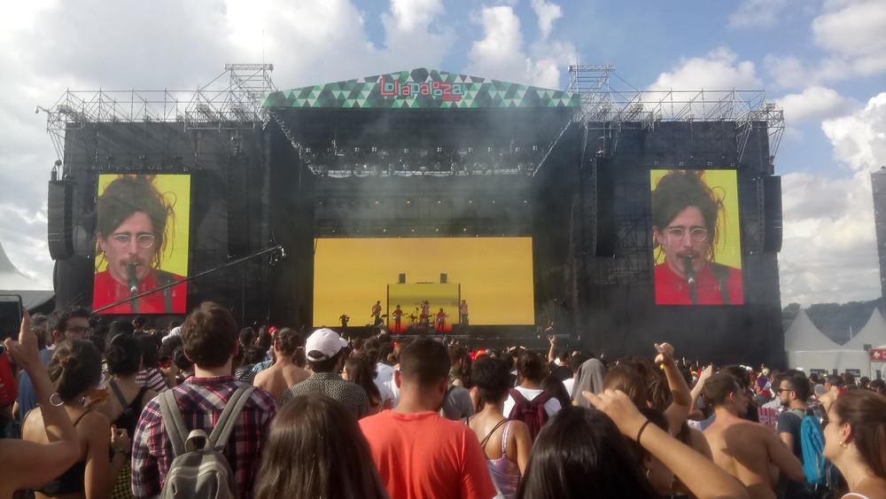 A banda paulista O Terno no Lollapalooza 2018 | Foto: Nayara Reynaud